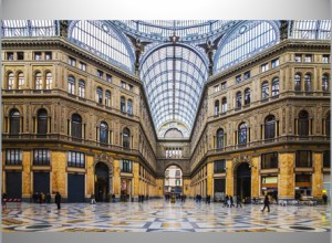 Galleria Umberto luxe overdekte shopping mall in Napels